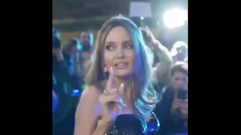 Анджелина Джоли и Мишель Пфайффер 👸🏻