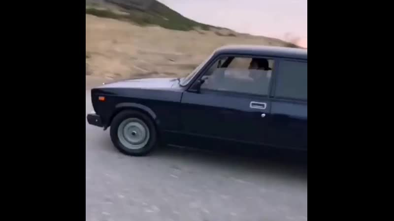 Lada.club_officialInstaUtility_-00_B2fJ8iZnPiz_11-.mp4