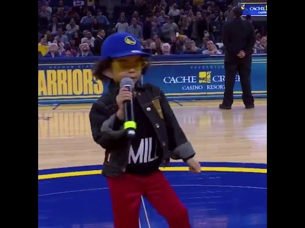 The legend ZaZa performed at the Warriors game 😂😂😂