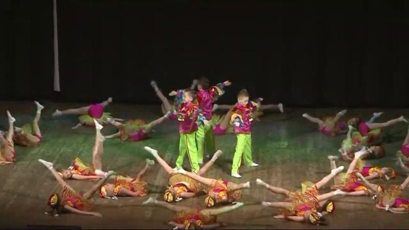 Куры Диско - Народный ансамбль современного танца Баттерфляй (9 10 лет)