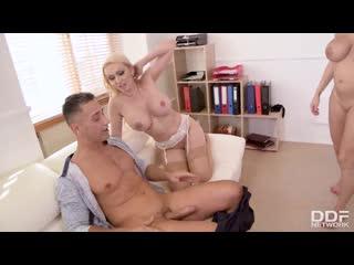 Amber Jayne, Victoria June - Must-see Office Threesome [DDFNetwork] Threesome, MILF, Stockings, Big Tits, Big Ass, Blowjob, Deep
