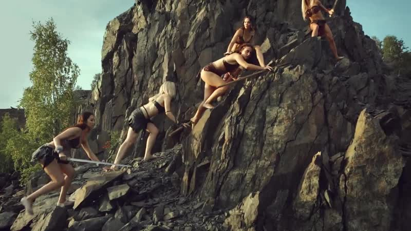 Видео с полуобнажёнными девушками заинтересовало продюсеров из Европы
