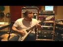 Умеет ли James Hetfield из Metallica играть риффы ?