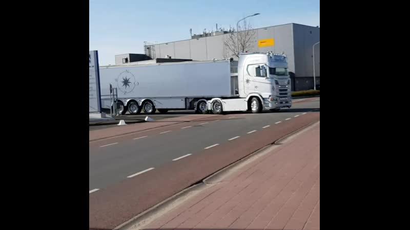 Scania S V8 Annie trans