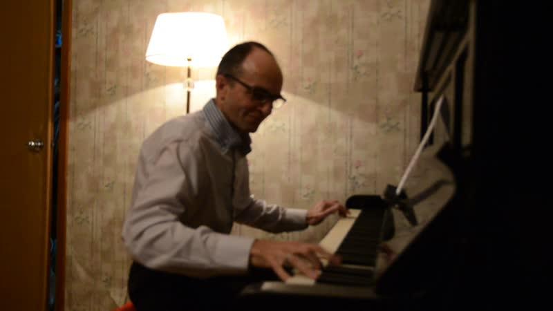 Дым над водой в исполнении джазового ( а иногда и классического) пианиста.