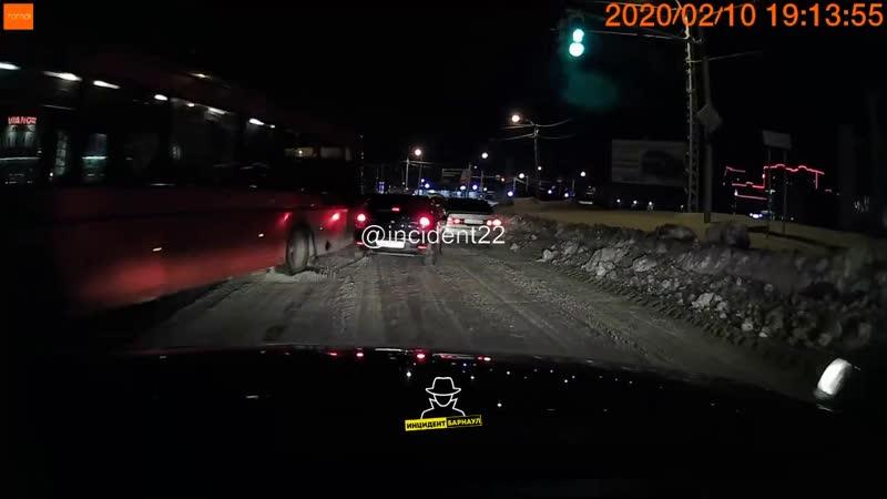ДТП на пересечении улиц Попова и Власихинская (Инцидент Барнаул)
