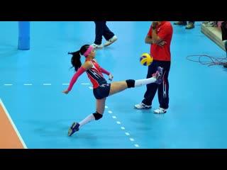 Brenda Castillo Amazing Volleyball Libero Crazy Saves (HD)