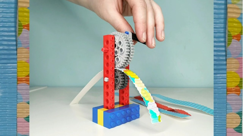 Corrugated paper with Lego machine Лего машинка по производству гофрированной бумаги