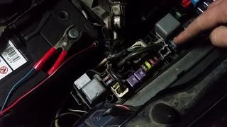 Разряжается аккумулятор.проверяем утечку тока на авто.