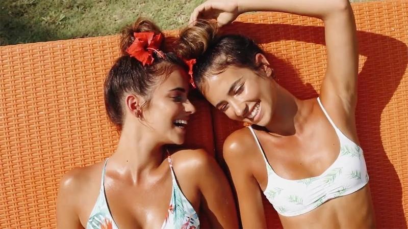 Herbert Twins Beauty Girls DEAMN Sign Elisha Herbert Renee Herbert