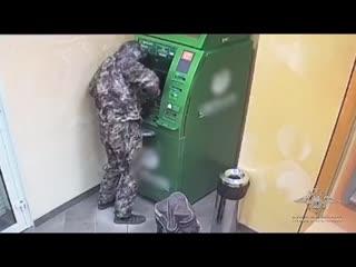 Ограбили банкомат в Маслянино.
