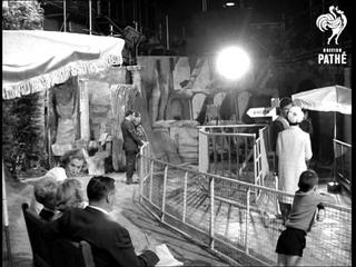 Muna On The Set (1966)