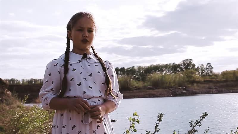 Полина ГУКК Чулочки видео Роман Харченко
