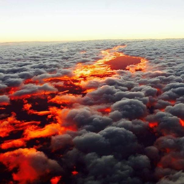 Закат над облаками, Австралия