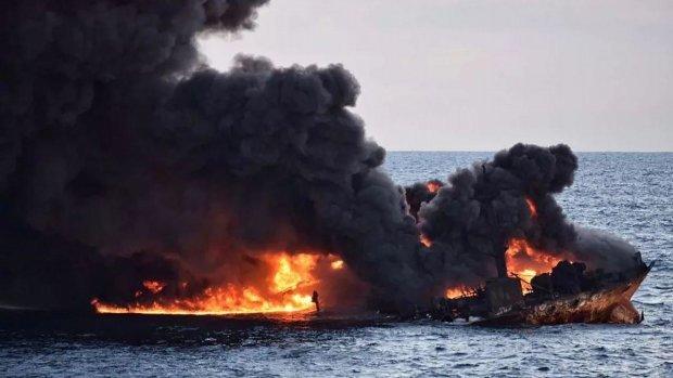 Историческое знамение: в РФ пылает огромный 3-х палубный лайнер под названием Святая Русь. Фото, видео