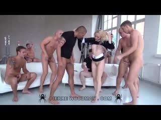 Русскую порно актрису LOLA TAYLOR трахают 10 мужиков (Секс Кастинг Porn Anal Group Sex Fuck Ass DP GangBang Порно Анал Оргия)