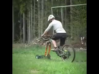Идея для тех кто любит велотранспорт  Косилка для тех, кто любит делать несколько дел одновременно bltz lkz nt[ rnj k.,bn dtkjnh