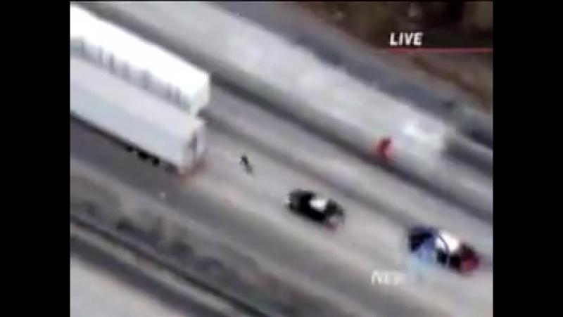 Ктото на шоссейном велосипеде удирает от полиции чем же все закончилось