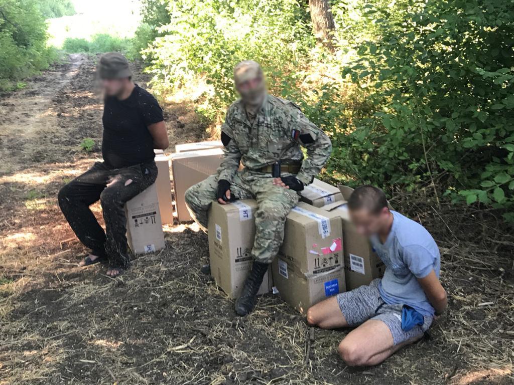 В Ростовской области двум контрабандистам сигарет дали по три года колонии