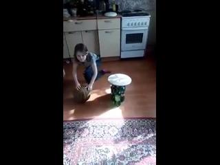 Игравший кошкой в боулинг житель Перми, пожаловался в полицию на травлю в соцсетях.