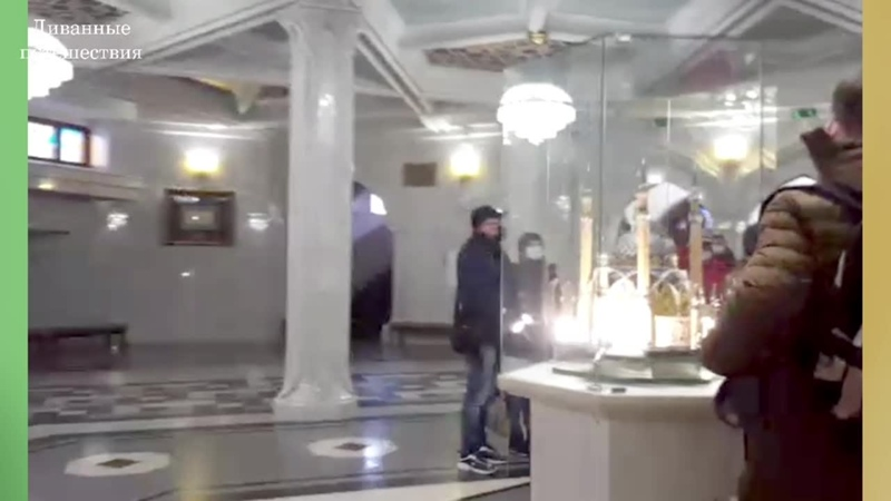 Мечеть Кул Шариф снаружи и внутри Фрагмент Диванного путешествия в Казань