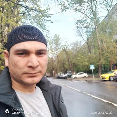 Содик Холматов