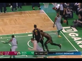 J R Smith throws down the hammer