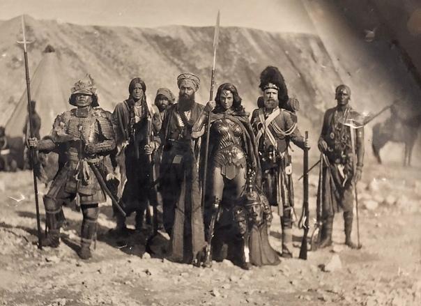 Если кто не знает, изначально события «Чудо-женщины» должны были развиваться во времена Крымской войны