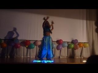 Индийский танец Настя и София Школа 2034 день города