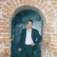 Олег Холод