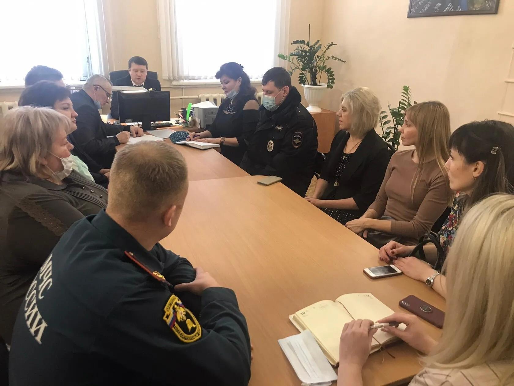 В администрации Петровского района состоялось заседание рабочей группы по профилактике несчастных случаев с детьми