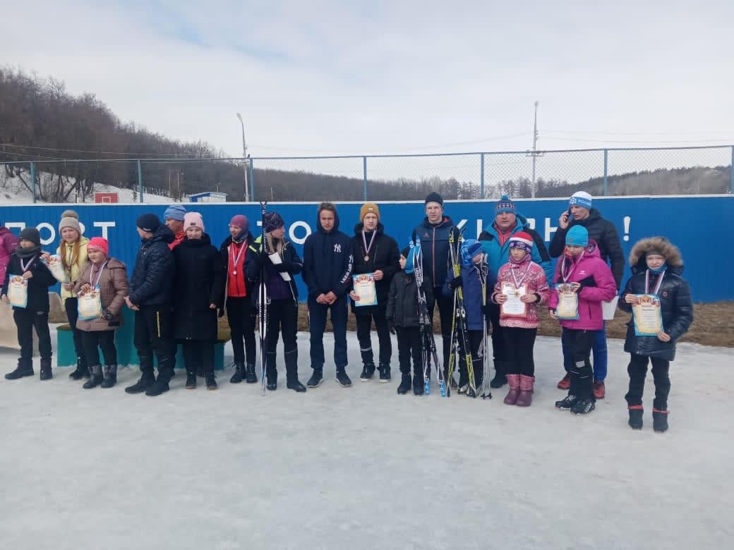 Лыжники из Петровска победили на соревнованиях в Базарном Карабулаке