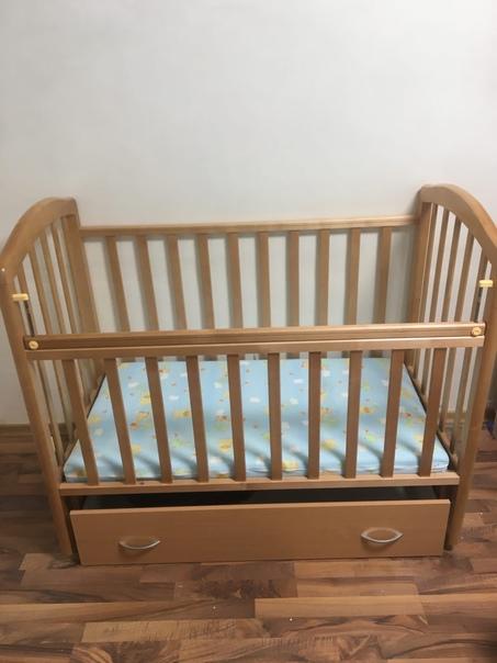 Продам. Кровать с матрасом 2000₽.Кровать с матрасо...