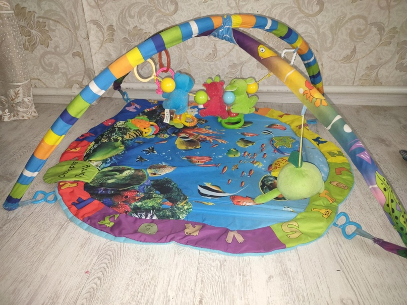Купить с игрушками коврик,ребенок будет | Объявления Орска и Новотроицка №28008