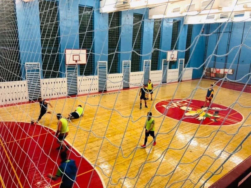 В Череповце, прямо на глазах у всех его жителей мэрия пытается отобрать спортивн...