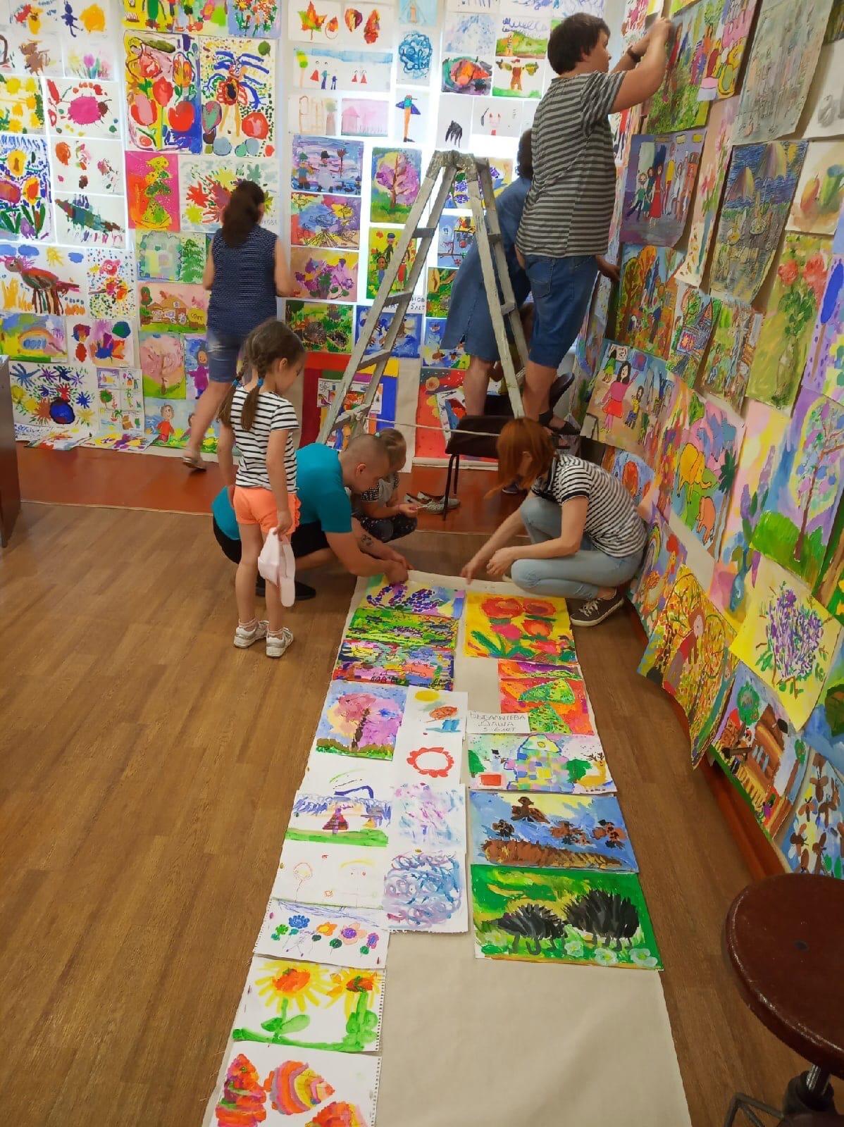 Художественная студия [club153047221 «Ника» ]готова к годовому просмотруКрасочные