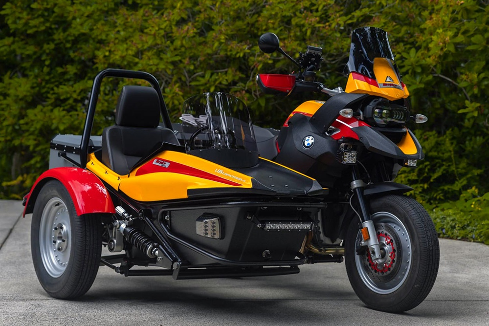 LBS: кастом BMW R1200GS с коляской