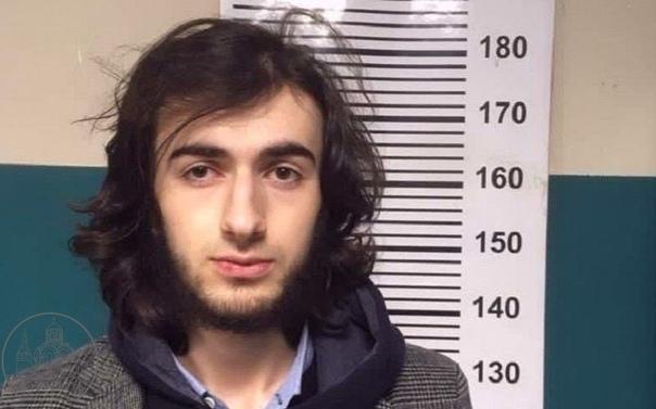 В Петербурге задержали молодого человека, пытавшег...