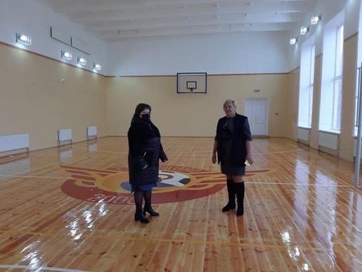 В МБОУ «Рощинская школа – детский сад» завершен капитальный ремонт спортивного зала