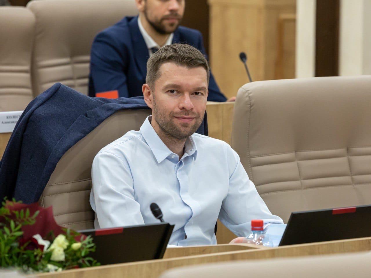 Глава Екатеринбурга Алексей Орлов представил на думе