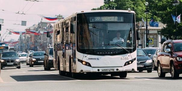 Более 80 % работников общественного транспорта Пет...