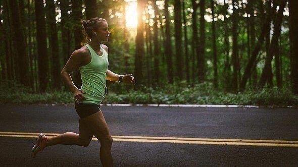Что Похудеет При Беге. Как похудеть с помощью бега - правила и программы тренировок для мужчин или женщин