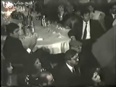Rare Footage of Imran Khan Requesting Ustaad Nusrat Fateh Ali Khan for Ali Da Malang