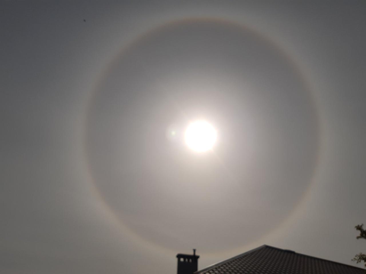 Мощное и яркое солнечное гало над Брестом было сегодня