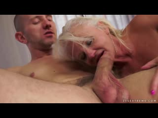 порно сын трахает маму в анал
