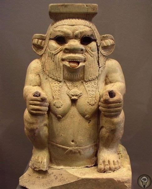 Бес египетский Среди многих представителей египетского пантеона чаще всего на скарабеях изображаются кривоногие карликообразные божества, одетые в львиную шкуру и с львиным хвостом, в повязке из