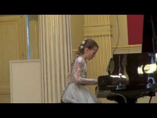 Conservatoire Russe,  Anastasia Makhamendrikova(10 years)