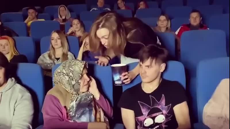 Gan13 Бабушка и кино