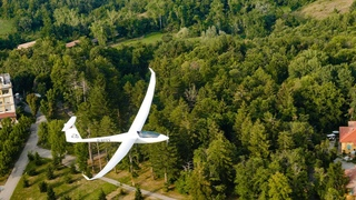 e-Glider Lowpass LS8-e neo VS Discus 2c FES | Pure Flying EP 21