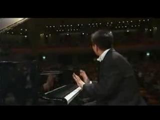 Лан Лан исполняет 3 концерт Рахманинова (I часть)